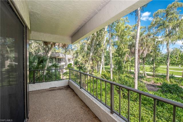 103 Clubhouse Ln 282, Naples, FL 34105