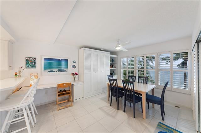 9517 Gulf Shore Dr 402, Naples, FL 34108