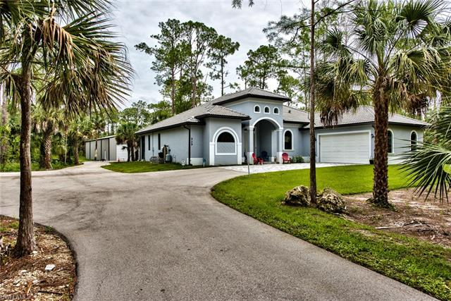 529 22nd Ave Nw, Naples, FL 34120