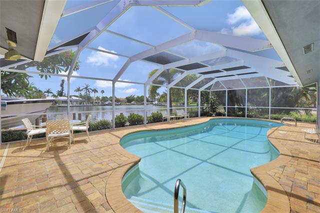 427 Nassau Ct, Marco Island, FL 34145