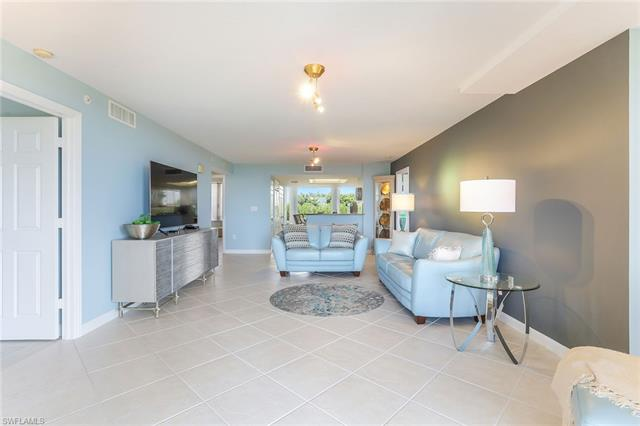 6849 Grenadier Blvd 404, Naples, FL 34108