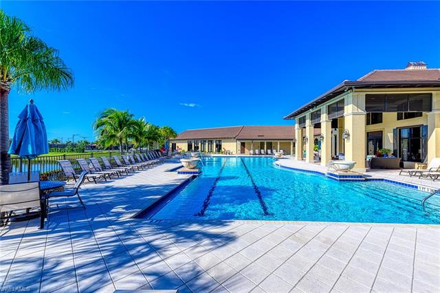 2312 Grenadines Way W, Naples, FL 34120