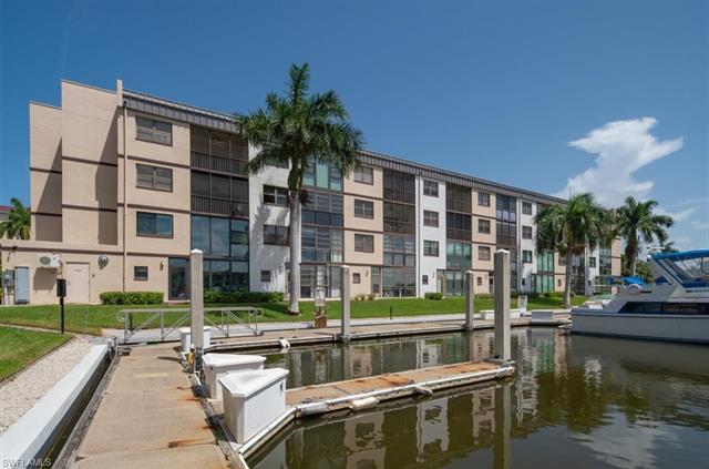 801 River Point Dr 305a, Naples, FL 34102