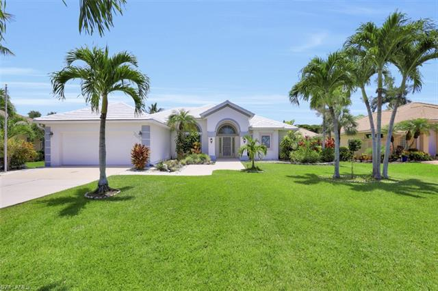 28070 Winthrop Cir, Bonita Springs, FL 34134