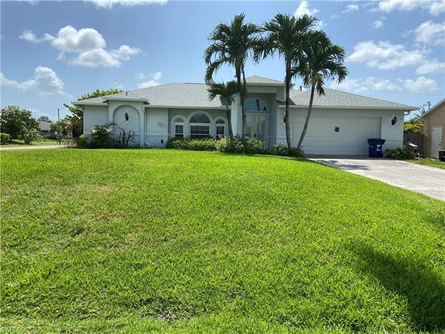 17476 Braddock Rd, Fort Myers, FL 33967