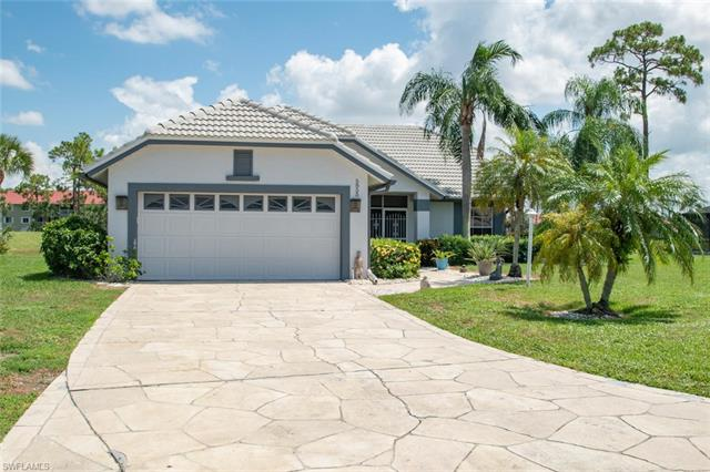 5855 Westbourgh Ct, Naples, FL 34112