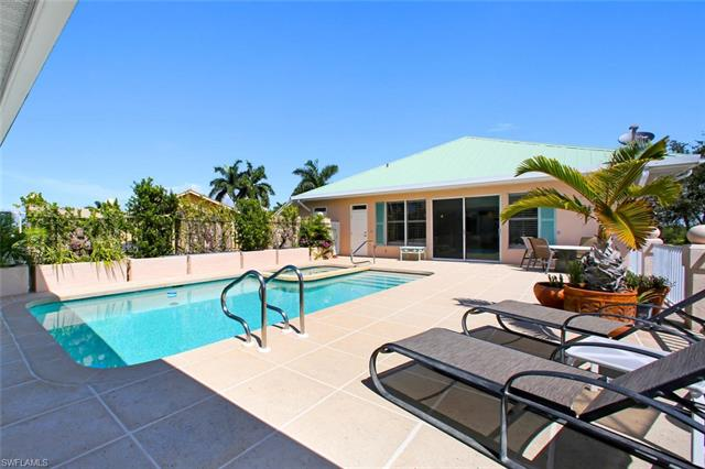 5601 Queens Kew, Bonita Springs, FL 34134