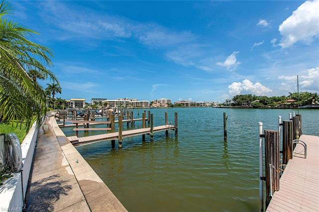 333 Harbour Dr 209, Naples, FL 34103