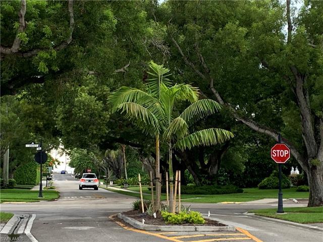 219 3rd Ave S 219, Naples, FL 34102