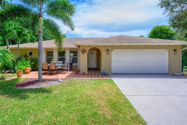 640 York Ter, Naples, FL 34109
