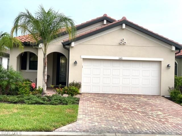 1571 Parnell Ct, Naples, FL 34113
