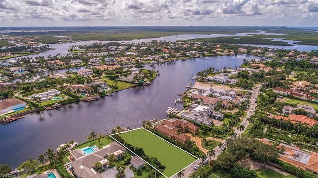 3525 Fort Charles Dr, Naples, FL 34102