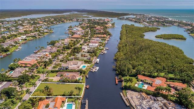 3300 Fort Charles Dr, Naples, FL 34102