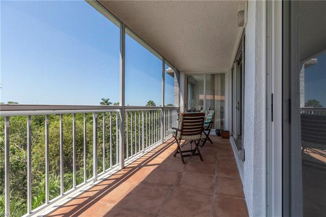 5501 Heron Point Dr 302, Naples, FL 34108