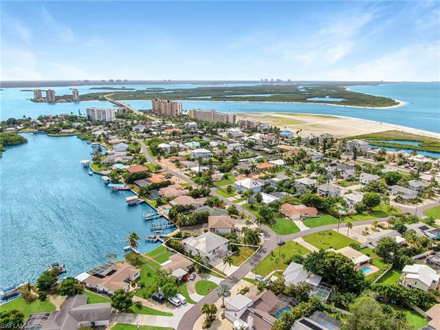 8155 Lagoon Rd, Fort Myers Beach, FL 33931