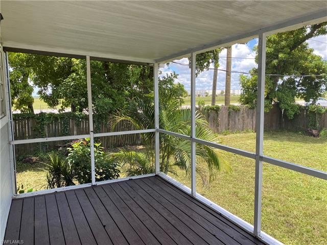 17101 Capri Dr, Fort Myers, FL 33967