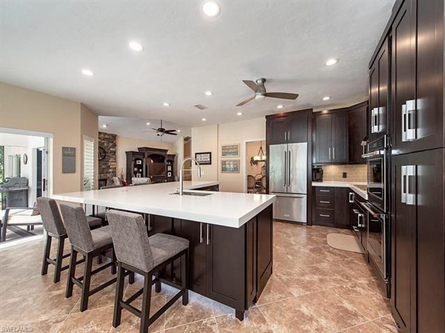 468 Crestwood Ln, Naples, FL 34113