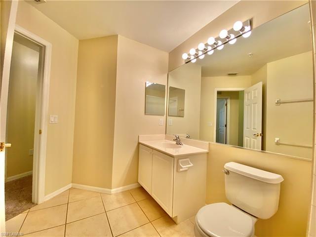 909 Hampton Cir 101, Naples, FL 34105