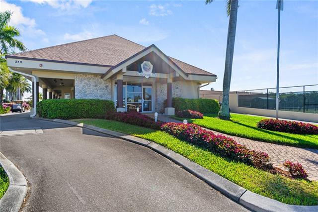 34 Glades Blvd 1, Naples, FL 34112