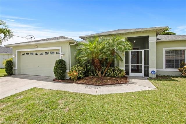 844 37th Ter, Cape Coral, FL 33914
