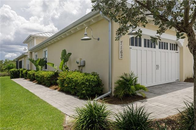 7162 Dominica Dr, Naples, FL 34113