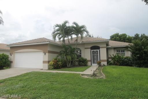 11082 Lakeland Cir, Fort Myers, FL 33913