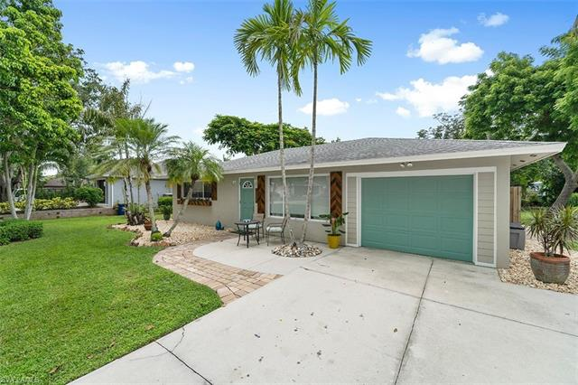 10271 Carolina St, Bonita Springs, FL 34135
