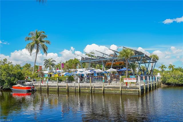 5060 Yacht Harbor Cir 8-102, Naples, FL 34112