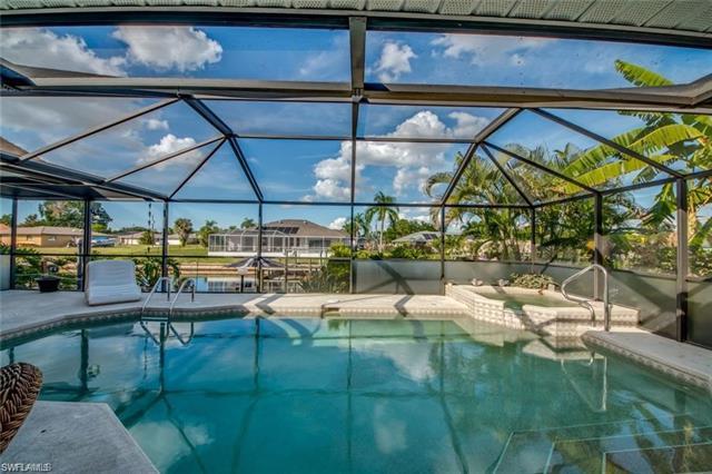 2219 10th Ln, Cape Coral, FL 33990