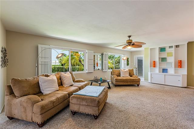 1624 Gulf Shore Blvd N 202, Naples, FL 34102