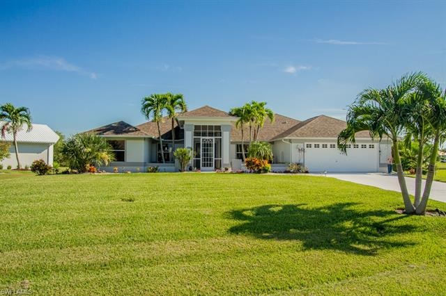 11900 Prince Charles Ct, Cape Coral, FL 33991