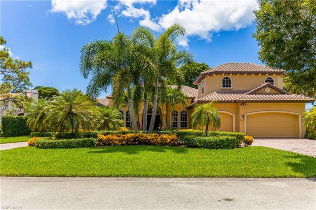 819 Bentwood Dr, Naples, FL 34108