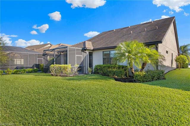 7474 Winding Cypress Dr, Naples, FL 34114