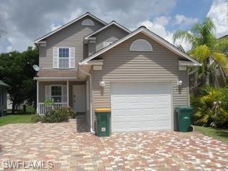 353 Leawood Cir, Naples, FL 34104