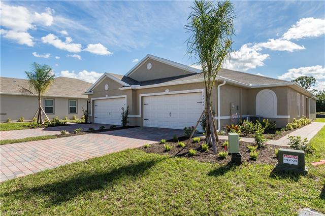 10752 Crossback Ln, Lehigh Acres, FL 33936