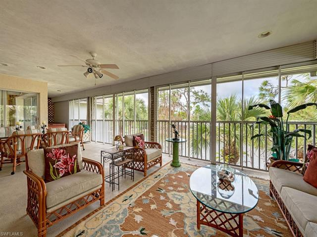 780 Waterford Dr 304, Naples, FL 34113