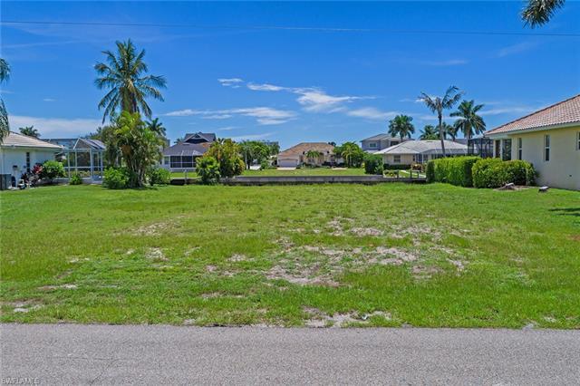 390 Marquesas Ct, Marco Island, FL 34145