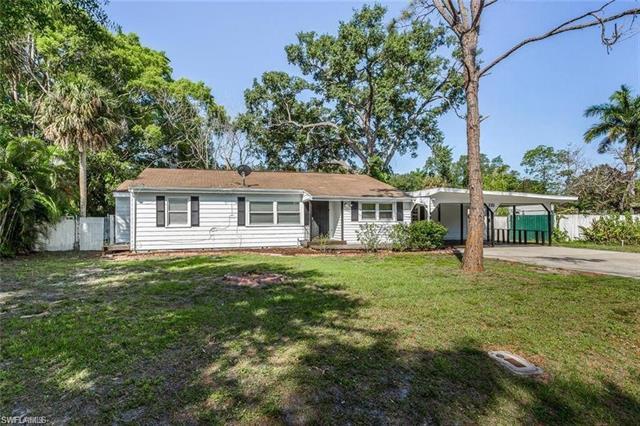 232 Palmacea Rd, Fort Myers, FL 33905