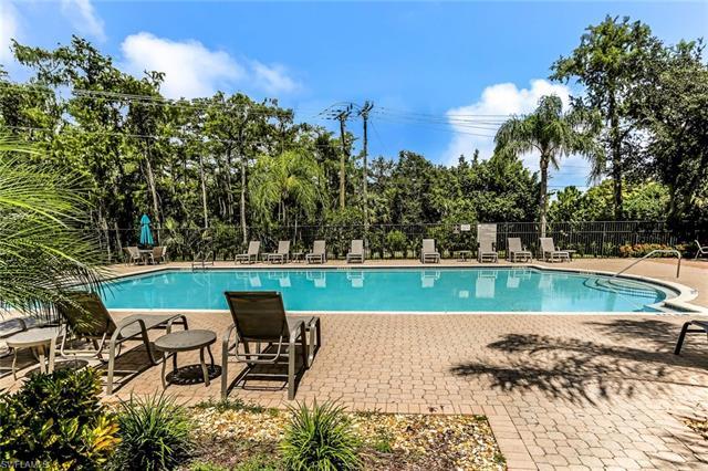 6735 Huntington Lakes Cir 202, Naples, FL 34119