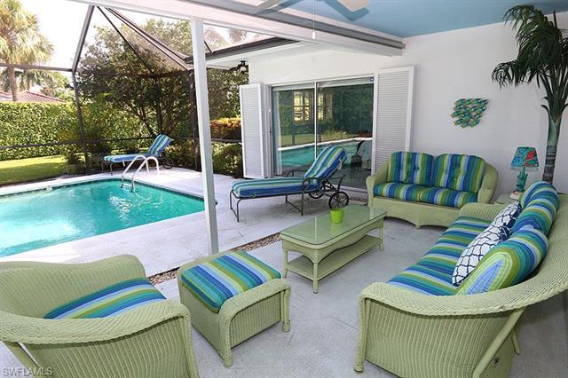 525 Pine Grove Ln, Naples, FL 34103