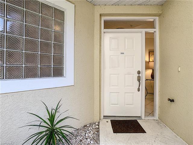 96 Silver Oaks Cir 1104, Naples, FL 34119