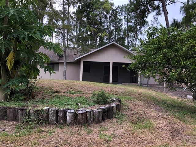 5041 Hickory Wood Dr, Naples, FL 34119