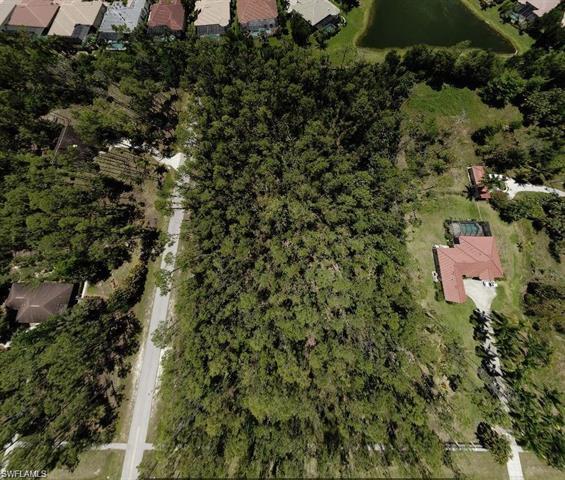 5567 Tamarind Ridge Dr, Naples, FL 34119