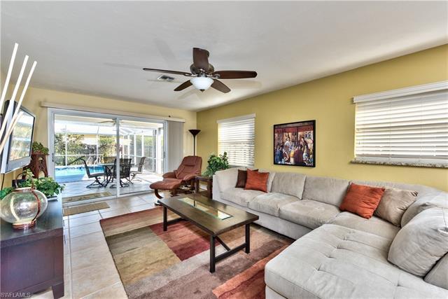 625 97th Ave N, Naples, FL 34108