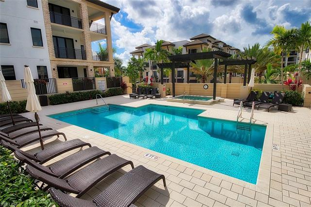 1135 3rd Ave S 517, Naples, FL 34102