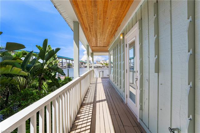 292 Primo Dr, Fort Myers Beach, FL 33931