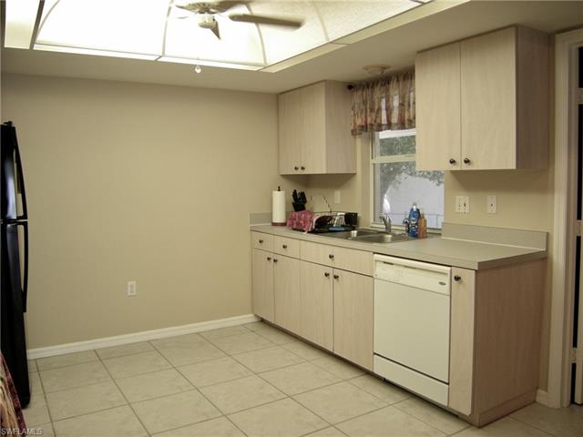 9095 Caloosa Rd, Fort Myers, FL 33967