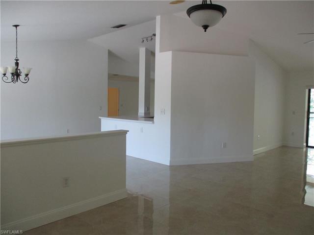 3550 Crayton Rd, Naples, FL 34103