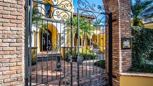 5019 Groveland Ter, Naples, FL 34119