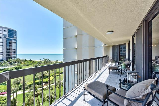 4551 Gulf Shore Blvd N 905, Naples, FL 34103